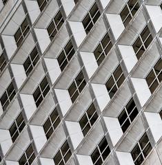 Geteilt - La Dfense, Paris (Gerhard R.) Tags: paris building architecture arquitectura architektur modernarchitecture ladfense abstrakt grandearche modernearchitektur