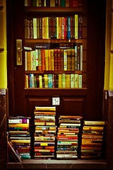 Gems (Nicolas Pavlidis) Tags: door color books bookstore ljubljana tr glas bcher