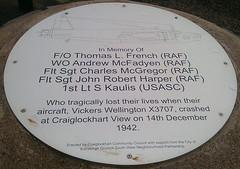 The Plaque (eLaReF) Tags: edinburgh crash wellington plinth vickers commemoration commemorate craiglockhart x3707