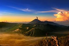 Tengger caldera (Heilah Alnasser) Tags: park sunrise indonesia volcano national bromo semeru tengger batok bromotenggersemerunationalpark tenggercaldera