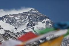 40. Ferran Latorre CAT14x8.000 - Everest i banderes d oracio_2 (ferran_latorre) Tags: everest cat14x8000