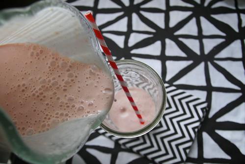 strawberry malted milkshake