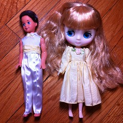 Size comparison- middie Blythe to 90s Barbie sister Stacey