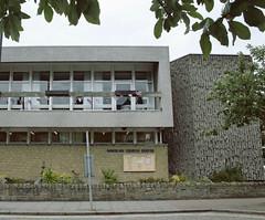 (e_alnak) Tags: life city uk greatbritain windows building public arquitetura architecture facade concrete arquitectura unitedkingdom britai