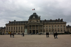 """École militaire • <a style=""""font-size:0.8em;"""" href=""""http://www.flickr.com/photos/62319355@N00/7235205506/"""" target=""""_blank"""">View on Flickr</a>"""