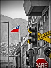 Bandera (Victorddt) Tags: chile flag bandera sonycybershot semáforo antofagasta nortedechile iiregión dsch55
