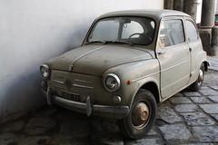 backstreet car (Photocrush) Tags: old dusty car rusty charm naples 1000d