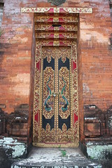 Porte sculpte N 10 (GeckoZen) Tags: door wood bali indonesia carving porte sculptures woodcarving bois kerobokan