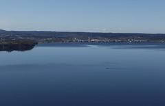 Boat (J. Roseen) Tags: blue sky lake water eos boat outdoor scenic himmel 7d usm grandview utsikt vatten ef bt jnkping mkii vttern jrgen bl sj f28l 2770mm rosn friluftliv