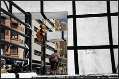 Sous une passerelle, Malaga, Andalucia, Espana (claude lina) Tags: claudelina espana spain espagne andalucia andalousie malaga architecture passerelle bridge pont