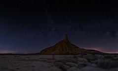 En otro planeta (hectoriz) Tags: longexposure night stars nocturna navarra milkyway bardenas bardenasreales vialactea castildetierra