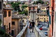 A walk in Perugia (R.o.b.e.r.t.o.) Tags: perugia pg umbria citt city cityscape viadellacquedotto fidanzati boyfriends ragazzo ragazza boy girl love case palazzi finestre persiane urbanistica architettura italia italy