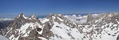 Las maravillosas vistas del Tesorero (pablo.mazorra) Tags: de europa nieve central leon montaa roca cantabria picos asturas macizo tesorero