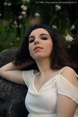 DSC_1498+ (SuzuKaze-photographie) Tags: portrait woman lyon bokeh femme parc swirly helios442 suzukazephotographie