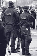 guarding the parade (CA_Rotwang) Tags: uniform cops police law enforcement bochum polizei officer karneval wattenscheid rosenmontag höntrop