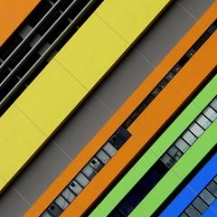 Colors in Hong Kong (swisscan) Tags: building hongkong flickrduel