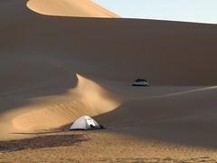 Ägypten - Gilf Kebir Plateau (ursulazrich) Tags: ägypten egypt egypte egitto westerndesert sahara gilfkebir wüste westlichewüste dünen dunes dune duna sable sand sabbia camping zelt tent expedition camp