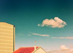 Pintando cielos (MONCHO REY) Tags: blue roof sky espaa azul clouds painting spain arquitectura espanha pentax roofs galicia galiza taller cielo nubes urbana tejado foz cermica ferrol teja cubierta pintando asbuilt canido cubiertas medianeras k20d monchorey monarq78
