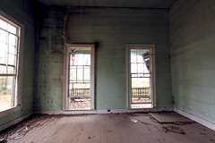 Front Room (Black.Doll) Tags: abandoned alabama cottage victorian russellcounty tinroof raised folkvictorian