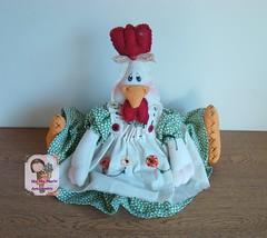 Galinha Maril (Ma Ma Marie Artcountry) Tags: chicken galinha handmade artesanato crafting doorstopper pesodeporta fabricchicken galinhacountry enfeitedecozinha