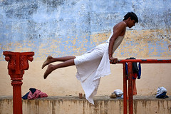 Exercises - Varanasi (Maciej Dakowicz) Tags: city india asia exercise traditional varanasi gym fit benares uttarpradesh akhara kushti kusti