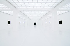 (Design.Her) Tags: travel light berlin art museum architecture germany nikon europe bahnhof wideangle tokina museumofmodernart hamburger fr d90 gegenwart ryojiikeda 1116mm designher