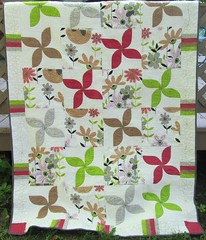Windflower (Scooquilt) Tags: modern quilt gray windflower drunkardspath alexanderhenry
