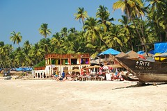 Palolem (iTimbo61) Tags: ocean travel blue sea india white travelling green beach water beautiful bar palms relax asian boats bars asia paradise peaceful olympus tropical om1 palolem e500 travelphotography olympuscameras