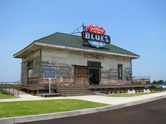 Old Dundee, Mississippi Railroad Depot (bluerim) Tags: mississippi blues mississippidelta railroaddepot vistorscenter ushighway61 tunicacounty dundeems