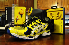 ASICS GEL-NIMBUS 14 LIMITED EDITION (Billy Heath III) Tags: sports monster athletic nimbus 14 watch running ear asics headphones gel livestrong garmin forerunner 610