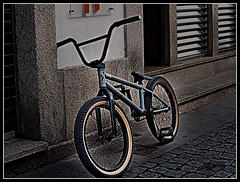 bicicleta (Ivan lage) Tags: old bicycle cycling town btt bicicleta ciclismo dragan mtt draganizer