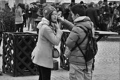 Kiss me here... (heiko.moser) Tags: street city portrait people bw woman streetart man blancoynegro canon person mono blackwhite women leute noiretblanc candid strasse streetportrait nb menschen sw mann monochrom frau publicity schwarzweiss nero personen discover streetfoto einfarbig schwarzweis entdecken streetfotografie heikomoser
