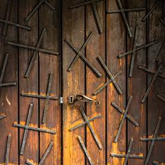 Crossed door (uneitzel) Tags: door church wooden cross sweden schweden lappland kirche kreuz lapland holz tr norrbotten karesuando olympusem5 mzuiko1250mm