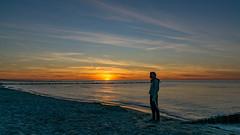 TH20160505A608364 (fotografie-heinrich) Tags: strand sonnenuntergang himmel ostsee personen zingst buhnen stdteortschaften