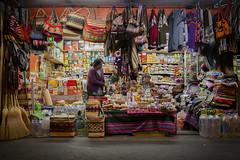 Mximo Lira (TARUCA Imagen) Tags: chile night business deal artesana arica negocio puesto