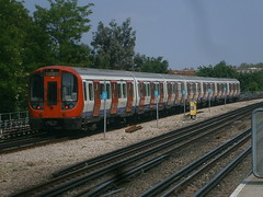 21412 @ Turnham Green (ianjpoole) Tags: green london underground district stock s line turnham 21412 21411