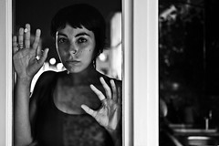 distanzepiene (Libano*) Tags: woman window glass girl blackwhite donna hand mani bn finestra distance libano bianconero biancoenero ragazza vetro blackwithe distanza distanzepiene
