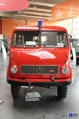 1953 - 1956 Mercedes-Benz Unimog U 402 (Georg Sander) Tags: pictures auto old red wallpaper rot classic cars car museum vintage germany rouge fire mercedes benz schweiz switzerland photo high rojo automobile foto image photos antique alt swiss picture mobil images historic german fotos u mercedesbenz vehicle resolution oldtimer 1956 autos bild rosso feuerwehr department 402 bilder unimog gros 1953 klosters classique automobil gaggenau auflösung unimogmuseum gagenau u402