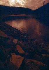 (.sxf) Tags: water river dark landscape scenery stones steine canonae1 ufer landschaft schwarzwald blackforest ultrawideangle böschung superweitwinkel lomographyredscalexr100 vivitar17mm35mc
