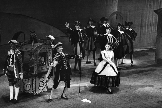 Alexander Grant as The Dandy and Violetta Elvin as The Miller's Wife in a revival of the Sadler's Wells Ballet production of The Three Cornered Hat (1947) © Royal Opera House/Roger Wood 1947