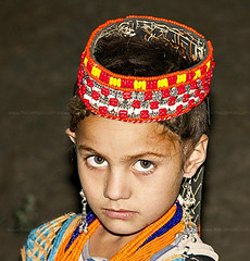 INNOCENCE OF KALASH (TARIQ HAMEED SULEMANI) Tags: pakistan portrait photography north tariq kalash chitral concordians sulemani bhamborait