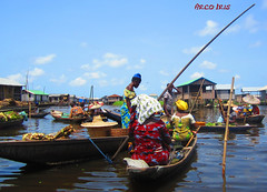 Market On The Water (- Arco Iris -) Tags: africa water eau market benin march afrique ganvi