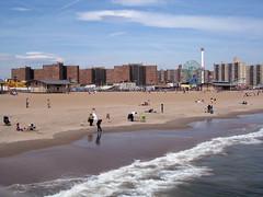 (sputnik 57) Tags: beach coneyisland groom bride waldo wonderwheel delirious