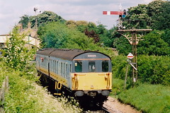 20040522 019 MHR Ropley. 205025 (1125) Departs Towards Alresford (15038) Tags: br diesel trains railways britishrail 3h 1125 demu midhantsrailway mhr class205 205025