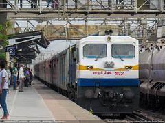 RTM (Ratlam) WDP4D 40324 (Saurabh Raut) Tags: wallpaper india train canon ir diesel trains powershot third indore railways rare 4d trainspotting pratap hs wr dlw lhb bor icf indianrailways rajdhani wdp emd railfanning rtm irfca westernrailways ratlam indb kochuveli suvidha paschim boisar 09310 kcvl 09309 emdgt46mac wdp4d sx530
