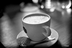 Coffee (Kym.) Tags: bw cappuccino coffee lunch random randomness somebodyelseskitchen thenetherlands nobodyknows youdneverknow