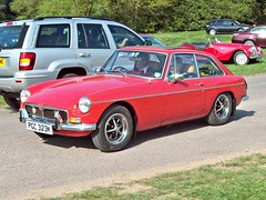 244 MG B GT Mk.II (1971) (robertknight16) Tags: mg british 1960s 1970s bmc worldcars 194570