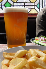 Holden's Bitter - West Bromwich (Neil Pulling) Tags: beer pub bier westmidlands bitter realale midlands westbromwich the holdens holdensbrewery holdensbitter thewheatsheafwestbromwich