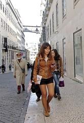 Cotidiano (carlos_ar2000) Tags: street people woman sexy portugal girl beauty calle mujer call pretty chica phone gente lisboa gorgeous llamada linda celular bella brunette chiado morocha carlosredondo credondo carlosaredondo credondofotografia carlosredondofotografia credondofotos carlosaredondofotografia