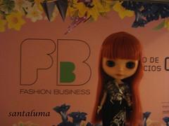 Aisha no Fashion Business, vendo os novos lançamentos da moda!!